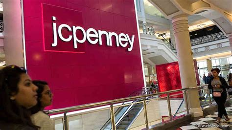 Attention Shoppers: JCPenney Reduces Hours, Nordstrom