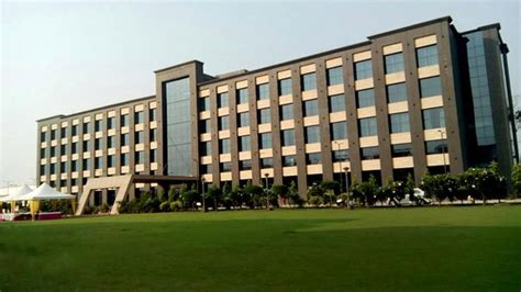 GOLDEN BLOSSOM IMPERIAL RESORTS (Lucknow) - Hotel Reviews
